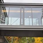 Arp-Muesum Rolandseck, Verbindungsbrücke, Schüco-Fassade und absturzsichernder Verglasung