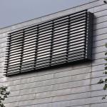 Arp-Muesum Rolandseck, hinterliegende Aluminium-Schüco-Fassade, starrer Sonnenschutz