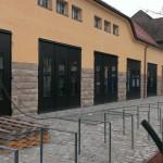 Römerkastell Stuttgart, Mehrzweckgebäude, Stahltüren aus Schüco Jansen Janisol-Profilen