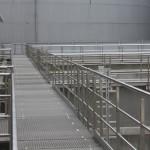Abwasserwerk Köln, Geländer aus Edelstahl im Abwasserbereich