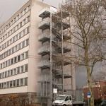 Verwaltungsgebäude Grevenbroich, Fluchttreppenturm über sieben Etagen,
